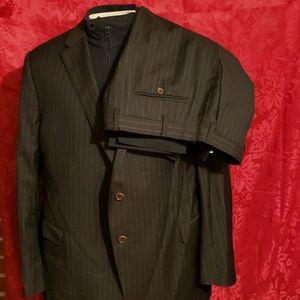 Mens Armani Collezioni Suit 46R